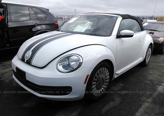 2015-Volkswagen-Beetle-DENIM-1,8T-(1)-014