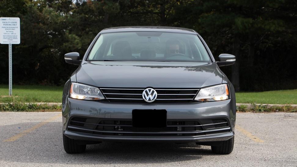 2016-Volkswagen-Jetta-SE-1.4-Turbo-017
