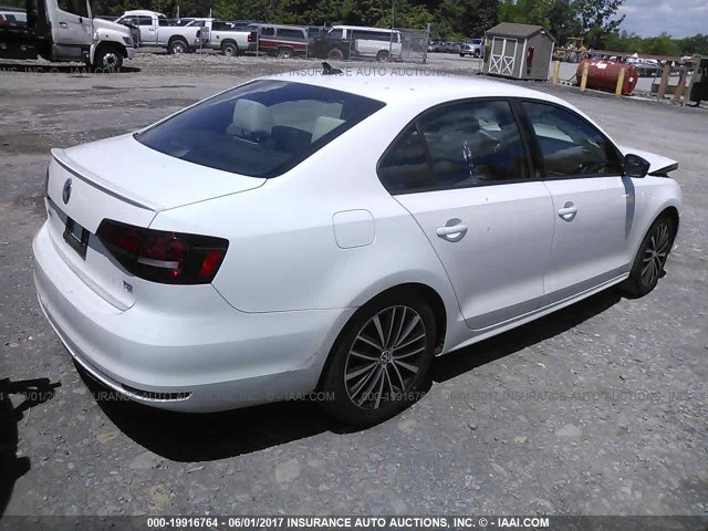 2016-Volkswagen-Jetta-SPORT-1.8-Turbo-WHITE-018