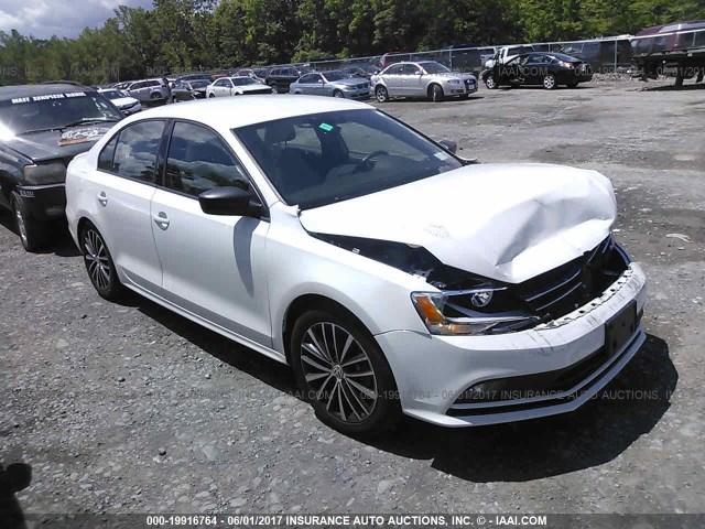 2016-Volkswagen-Jetta-SPORT-1.8-Turbo-WHITE-021