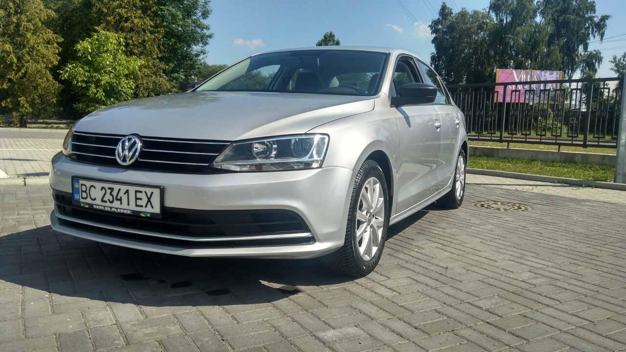 2015-Volkswagen-Jetta-1.8-Turbo-Grey-(1)-014
