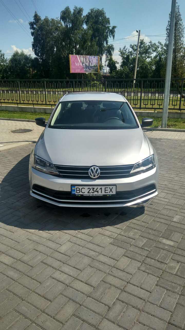 2015-Volkswagen-Jetta-1.8-Turbo-Grey-(1)-015