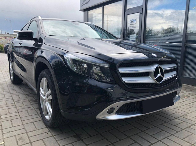 Mercedes-Benz GLA 250 4MATIC 2015
