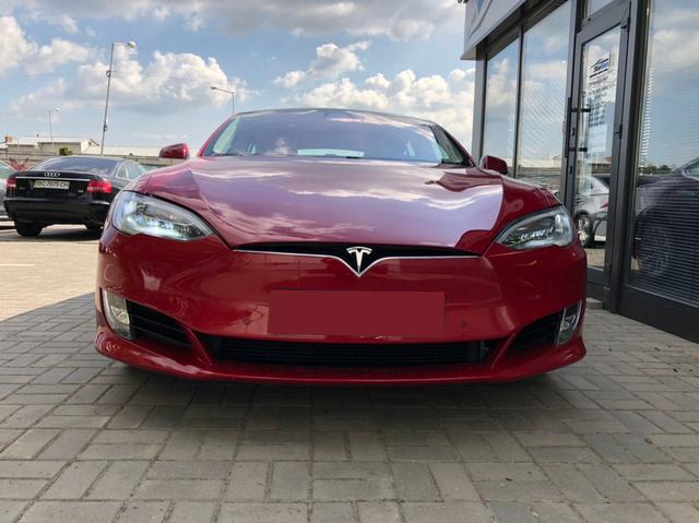 Tesla Model S P100D 2017