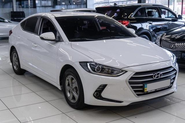 Hyundai Elantra (Avante) 2016
